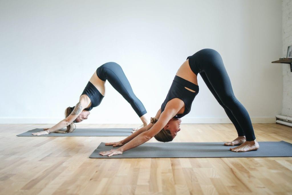 Online Yoga: Dette er de beste sidene for online yoga på nett