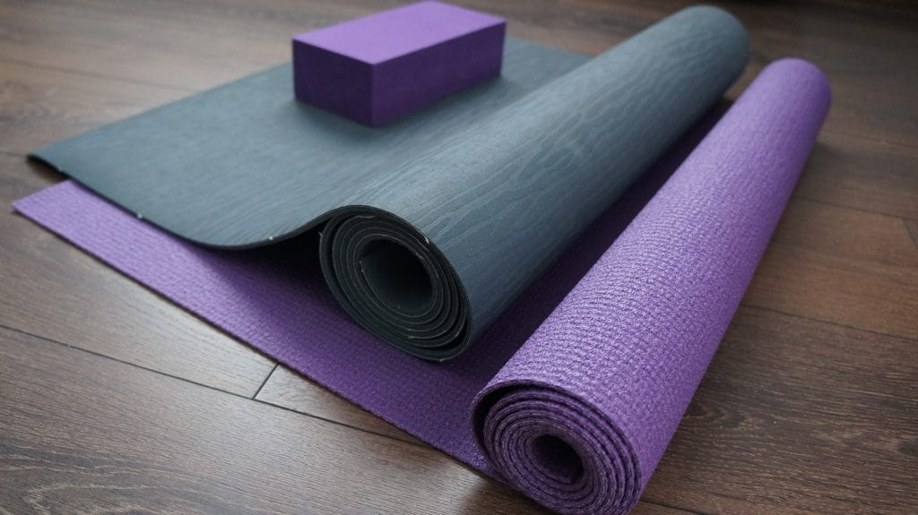 Teksturen på en yogamatte varierer