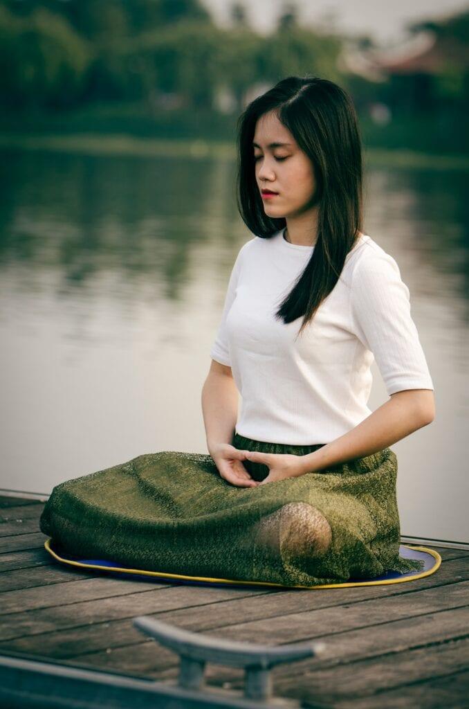 pranayama pust deg gjennom hosten