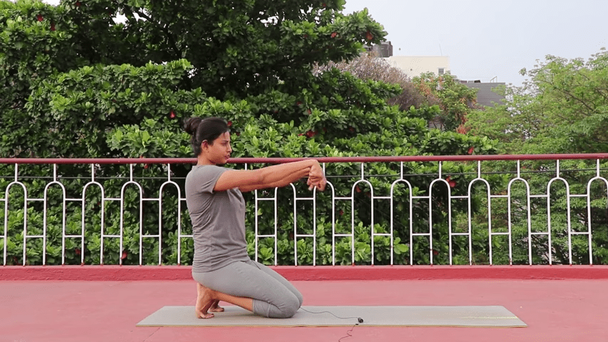 Day 1 of 4 days Bakasana Practice How to practice Crow Pose Yoga For Beginners 4 38 screenshot