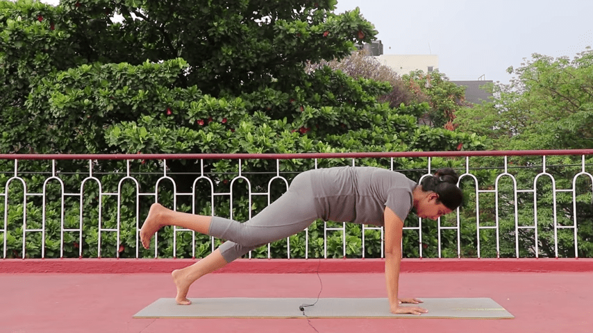 Day 1 of 4 days Bakasana Practice How to practice Crow Pose Yoga For Beginners 5 40 screenshot