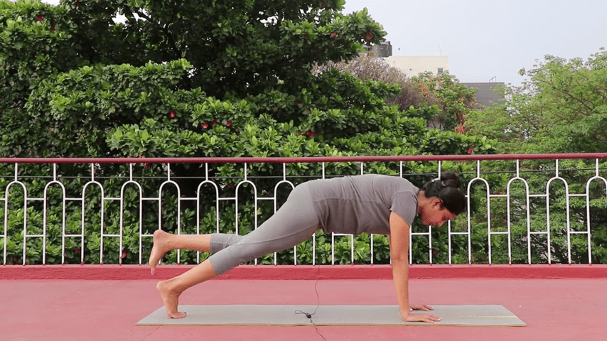 Day 1 of 4 days Bakasana Practice How to practice Crow Pose Yoga For Beginners 6 7 screenshot
