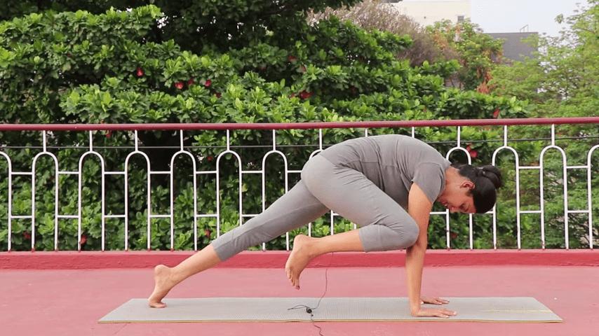 Day 1 of 4 days Bakasana Practice   How to practice Crow Pose  Yoga For Beginners 7 31 screenshot