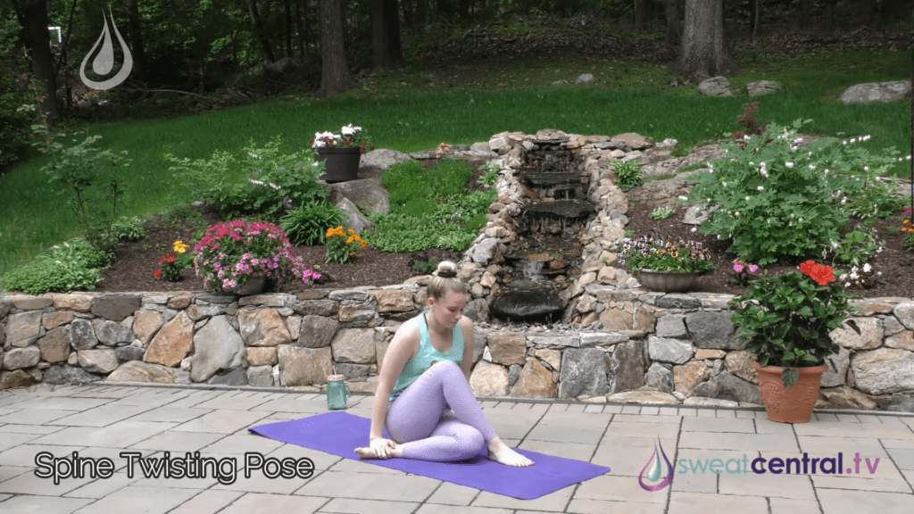 Bikram Yoga Class 30 Minutes. All 26 Bikram Yoga Postures 28 3 screenshot