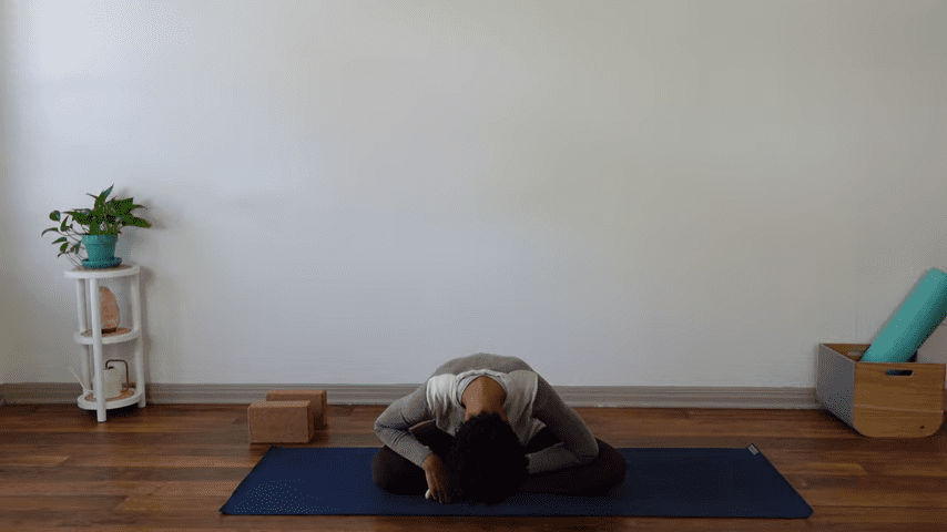 15 Minute Yin Yoga for Menstruation PMS and Menstrual Cramps 2 3 screenshot