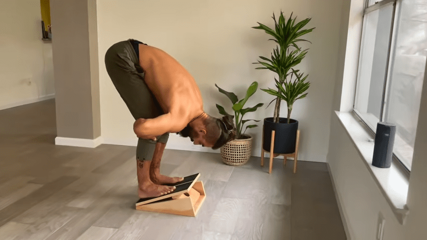 The Most Potent FLEXIBILITY Routine for your legs 10 min. Follow Along 9 55 screenshot