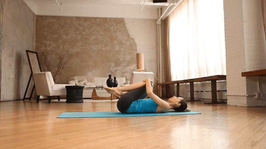 Core Strength Beginner Yoga With Tara Stiles 0 27 screenshot