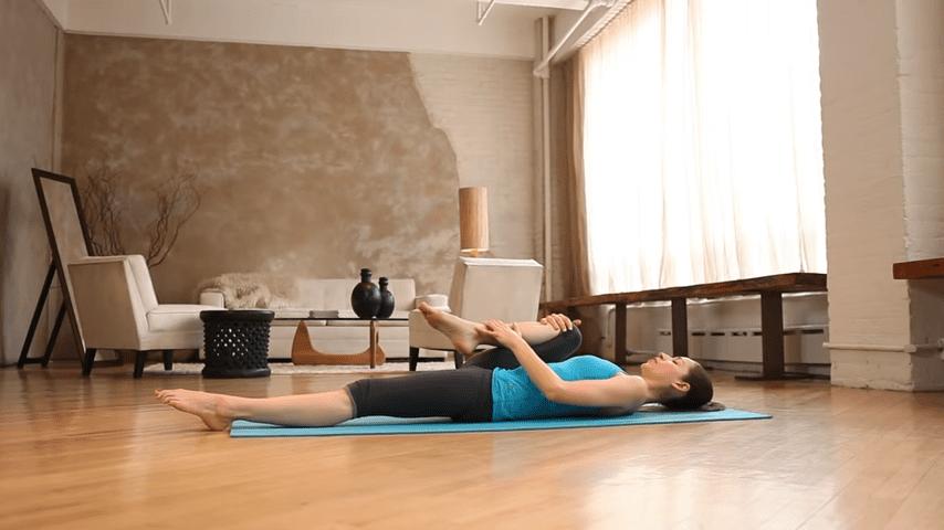 Core Strength Beginner Yoga With Tara Stiles 0 42 screenshot