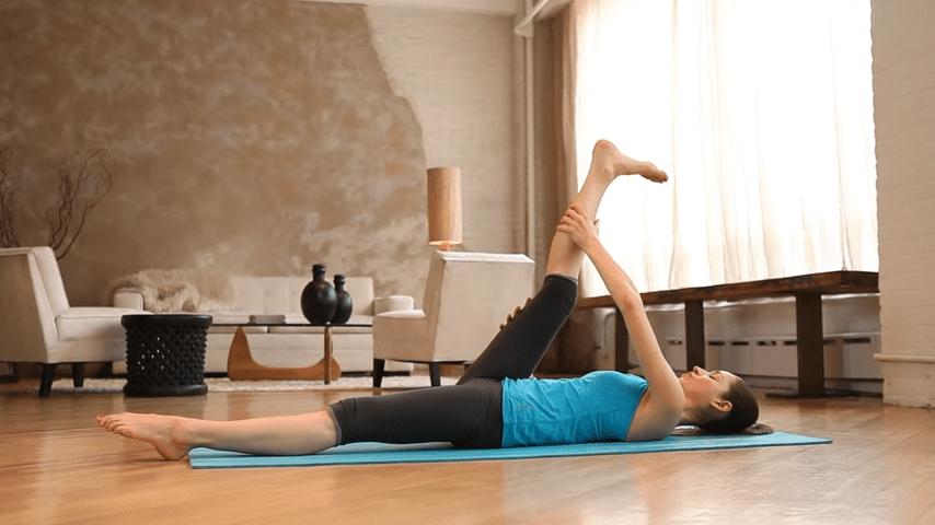 Core Strength Beginner Yoga With Tara Stiles 0 51 screenshot