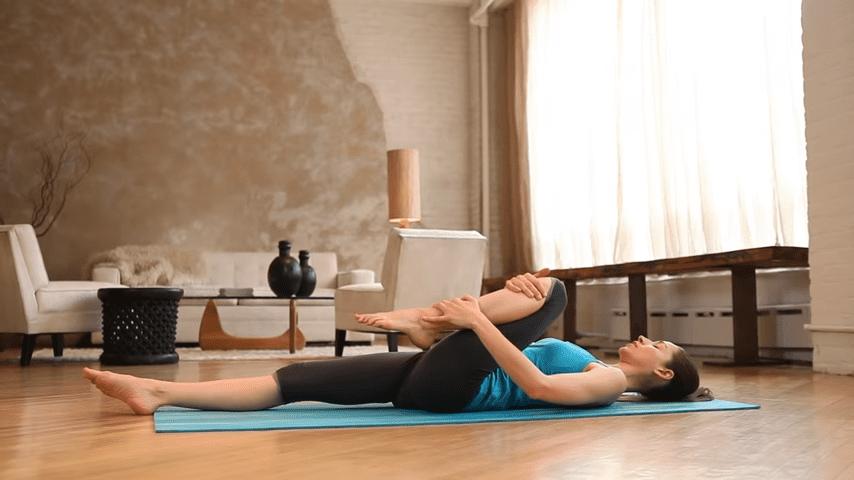 Core Strength Beginner Yoga With Tara Stiles 1 29 screenshot