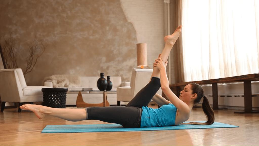 Core Strength Beginner Yoga With Tara Stiles 2 16 screenshot
