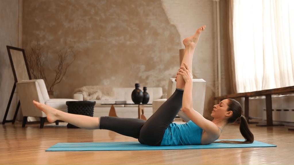 Core Strength Beginner Yoga With Tara Stiles 2 32 screenshot
