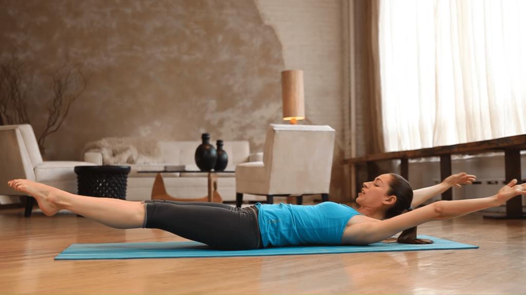 Core Strength Beginner Yoga With Tara Stiles 3 35 screenshot