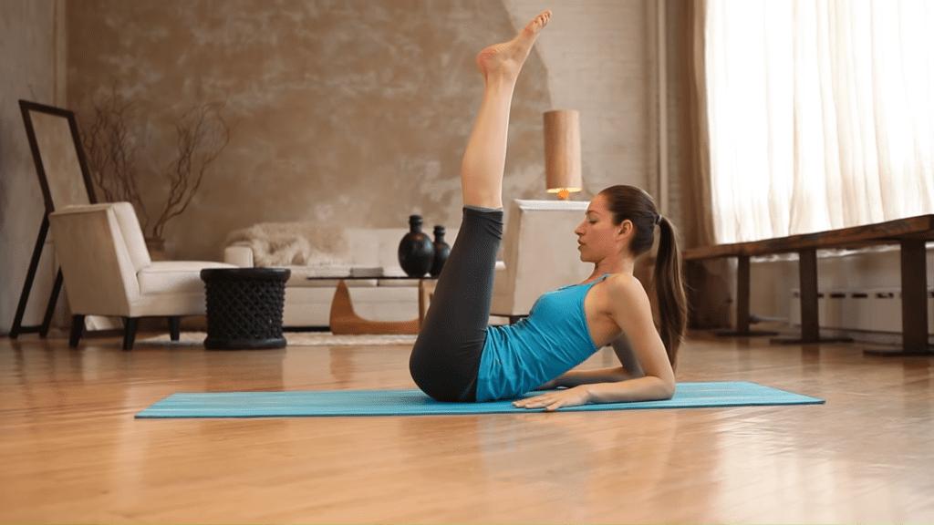 Core Strength Beginner Yoga With Tara Stiles 4 25 screenshot