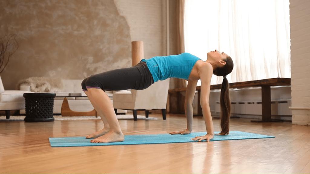 Core Strength Beginner Yoga With Tara Stiles 6 21 screenshot